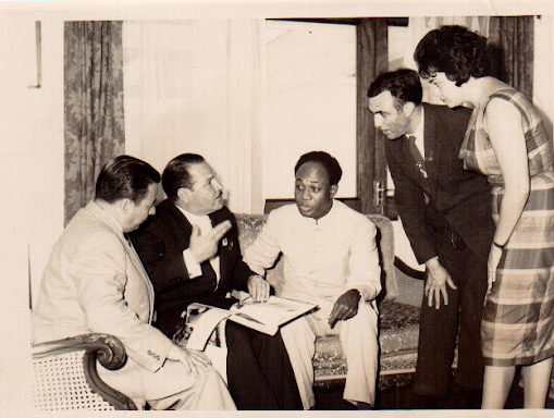 Cordero in a meeting with Kwame Nkrumah. Courtesy of the Ana Livia Cordero Papers, Schlesinger Library, Radcliffe Institute, Harvard University