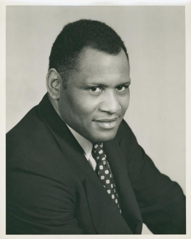 Paul Robeson (Courtesy of The New York Public Library Digital Collections. 1900 - 1957).