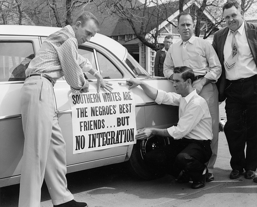 An anti-desegregation sign. Source: Southern Spaces.