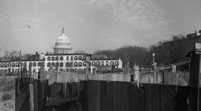 Untitled photo, possibly related to- Washington D.C. slum area, Nov. 1937. John Vachon, photographer. Photo: Library of Congress.