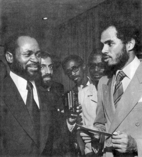 Samora Machel and Robert Van Lierop (right)