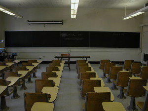 512px-2003-09-30_UNC-CH_Phillips_classroom_2