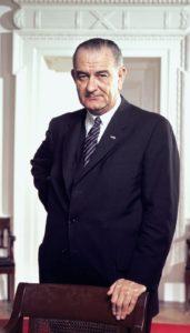 Lyndon_B._Johnson_Oval_Office_Portrait.tif