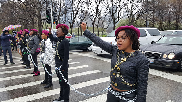 Protesters shut down Lake Shore Drive in Chicago to demand the firing of Chicago police officer Dante Servin and the restoration of funding to Chicago State University. (Photo: Kelly Hayes)