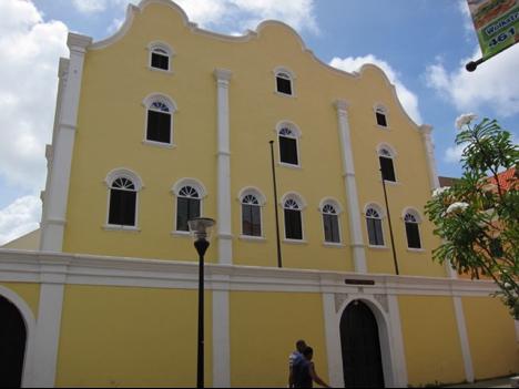 Mikve-Emmanuel Synagogue, Willemstad, Curaçao. Photo: Sarah Phillips Casteel.