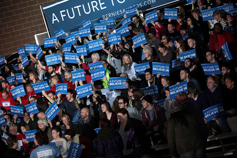 Supporters of U.S. Senator Bernie Sanders at a campaign rally at the Paul R. Knapp Learning Center in Des Moines, Iowa, January 9, 2016 (Photo Credit: Gage Skidmore)