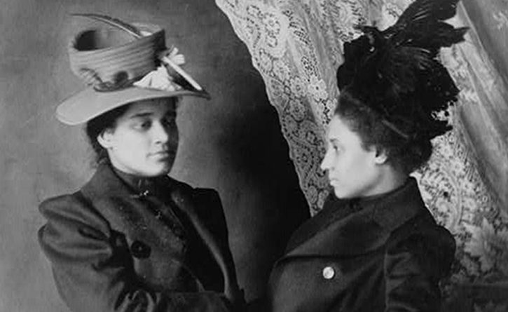 Two African American women, half-length portrait, facing each other (Daniel Murray Collection, Library of Congress).