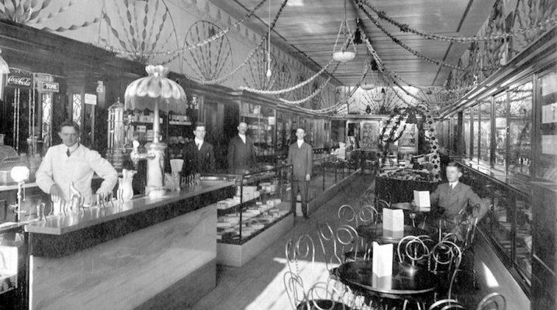 Freeman's Drugstore and Soda Fountain, ca. 1914. Photo: Wikimedia.