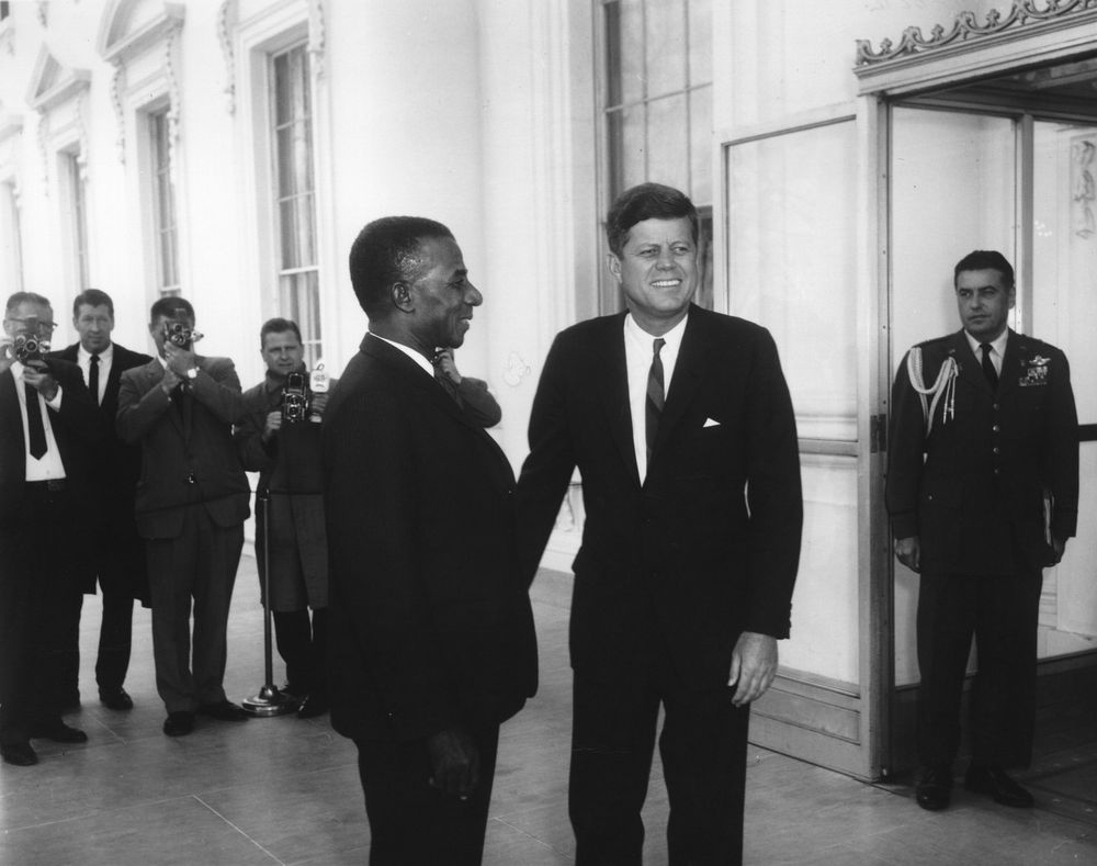 Luncheon in honor of the President of Togo, Sylvanus Olympio, 1962. Photo: Abbie Rowe. White House Photographs. John F. Kennedy Presidential Library and Museum, Boston.
